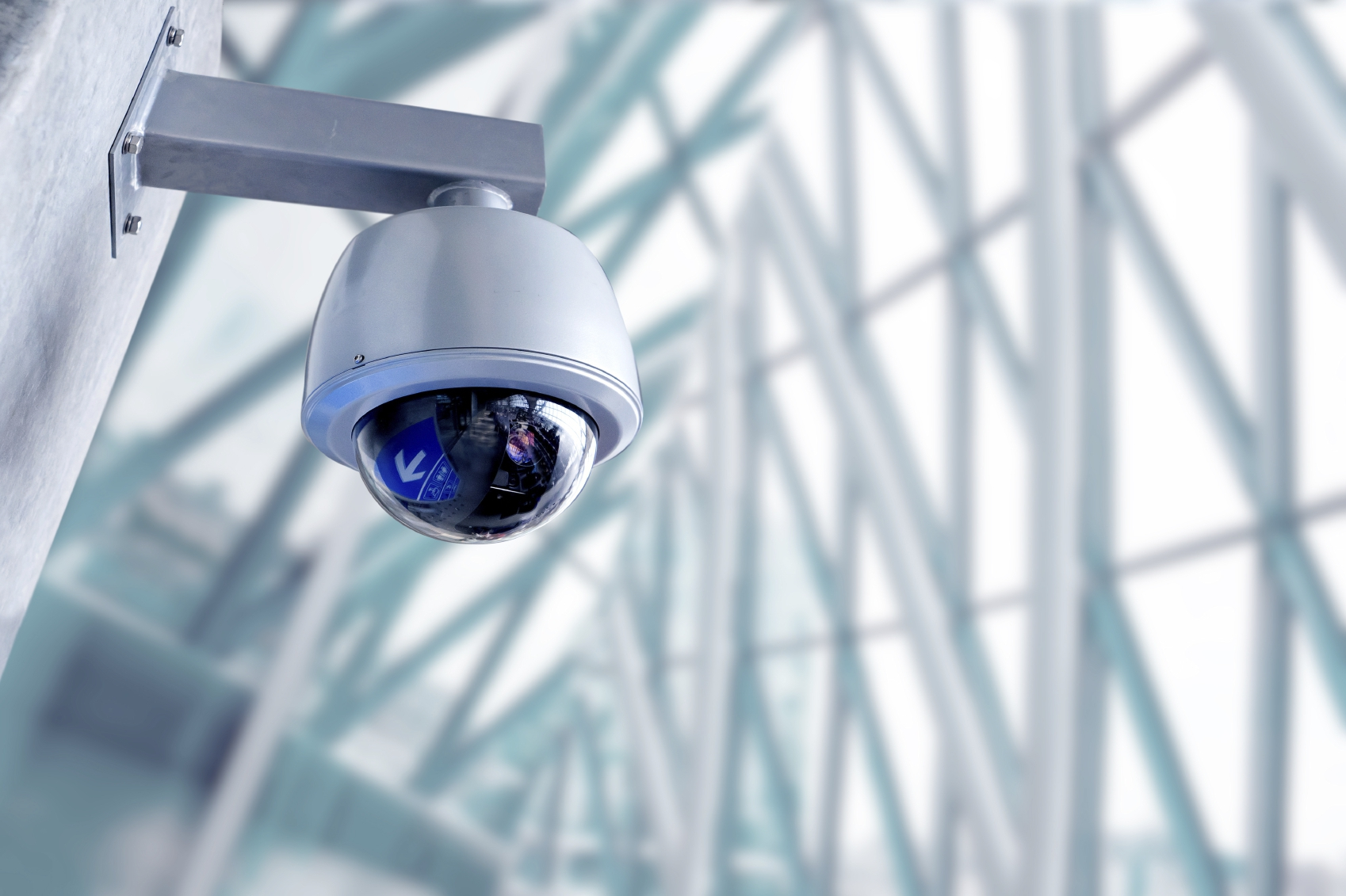 cctv camera iStock_000059391240_Medium