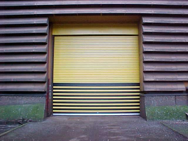Insulated Roller Shutter-Black-Yellow Skirt