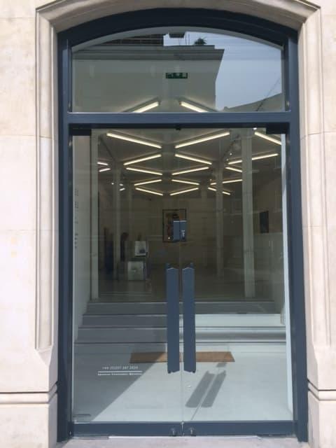 glass door-swing-double-black